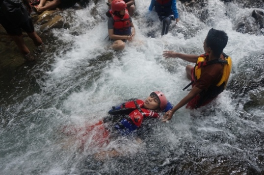 Seru Body Rafting